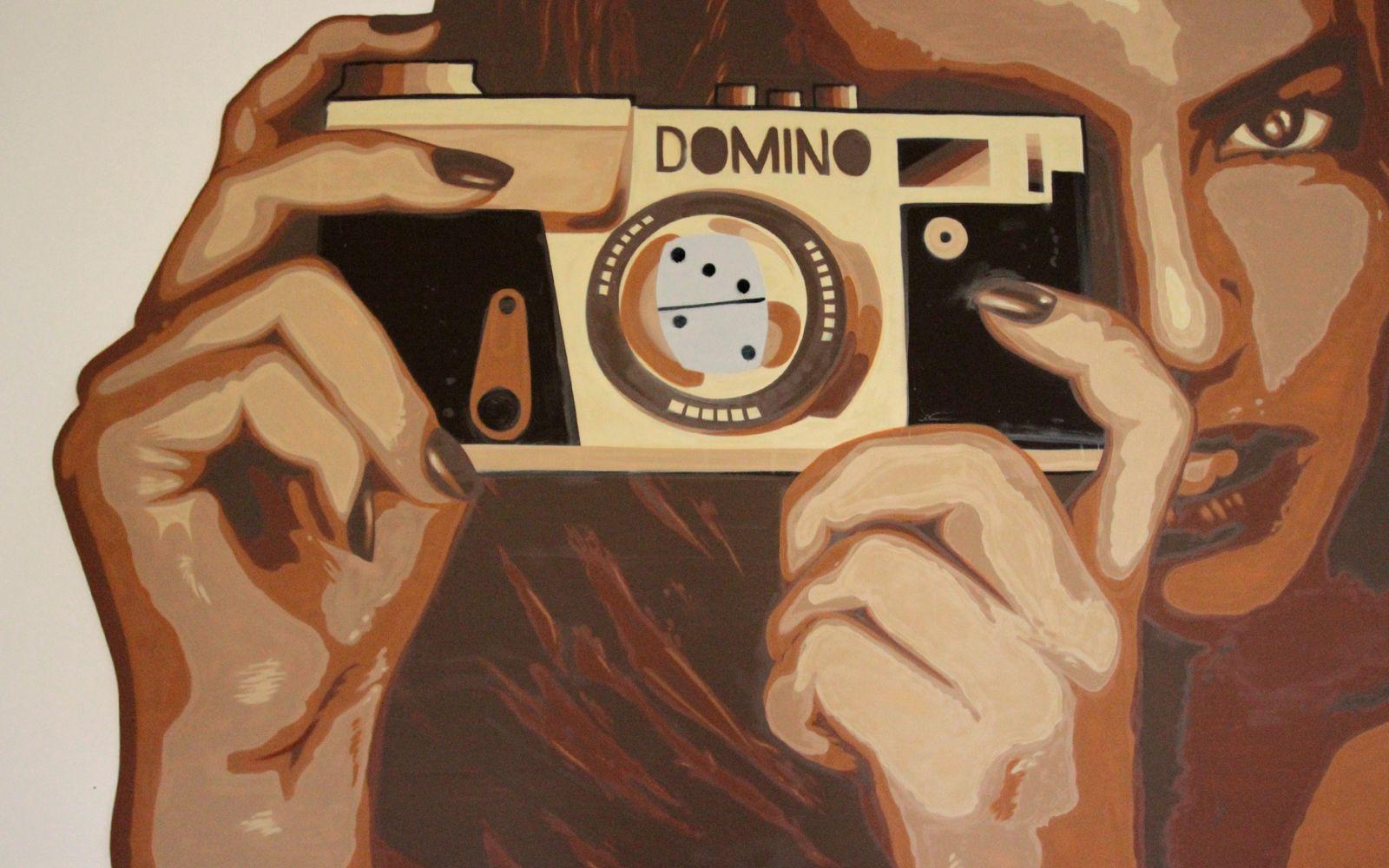 Domino's Girl